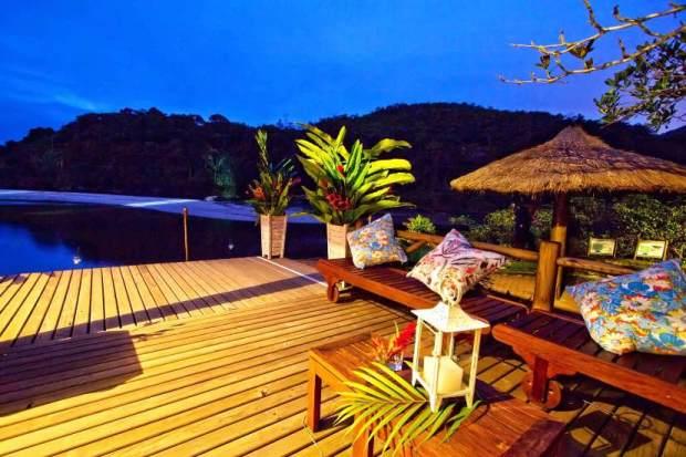 Visão de um resort projetado para uma área de ambiente nativo