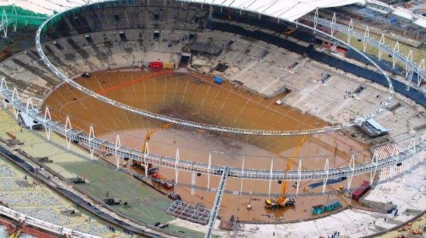 A bela drenagem das obras do Estádio Maracanã