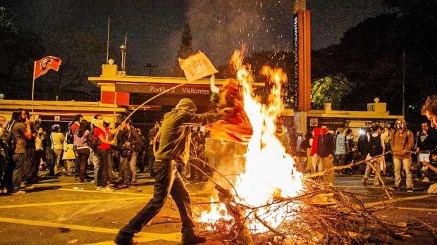 Alguns inflitrados em São Paulo - Palácio dos Bandeirantes
