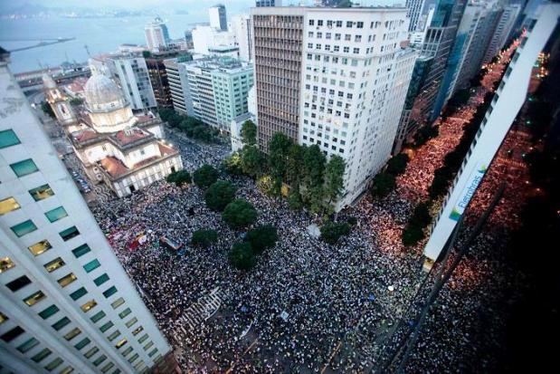 Área de concentração no Rio - Sérgio Borges, da Reuters