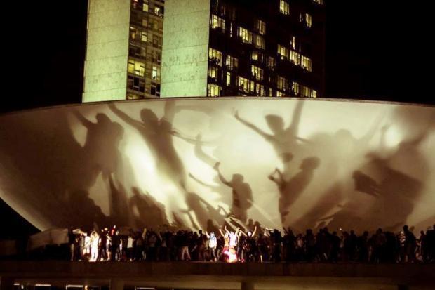 Passeata e cerco ao Congresso Nacional - Brasília