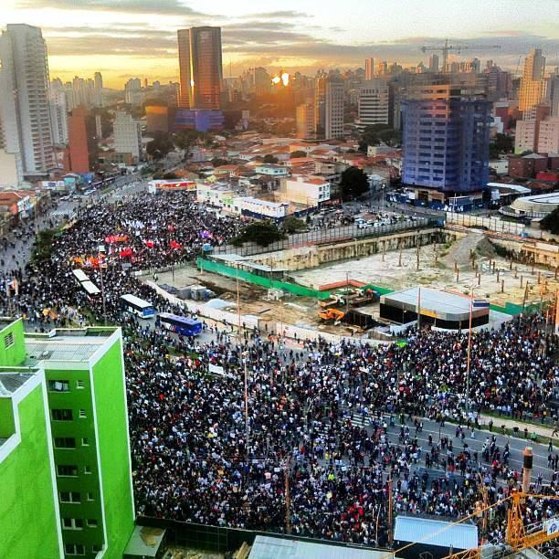 Passeata em São Paulo - reprodução da Veja
