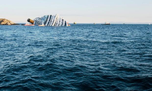 """Bateu e naufragou! Este foi o """"comando"""" do navio"""