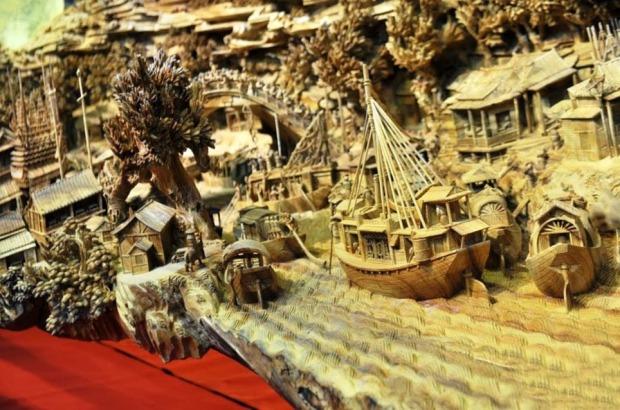 Barcos em ambiente litorâneo