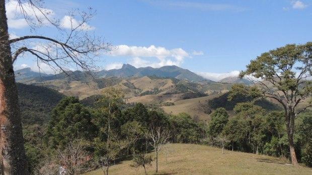 Uma vista panorâmica da Serra da Mantiqueira