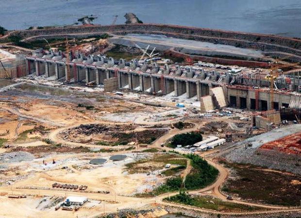 Vista da usina de Belo Monte ainda na etapa de construção