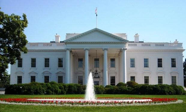 Casa Branca, inaugurada a 1º de novembro de 1800